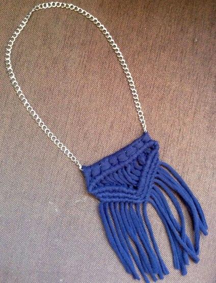 t-shirt-necklace_m