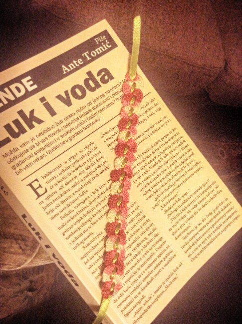 crochet-bookmark_at
